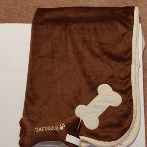 Brown&Creamfoufoudog Blanket & Dogbone toySALESALE